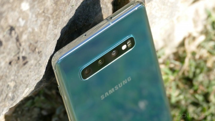 Samsung Galaxy S10 smartphones Android