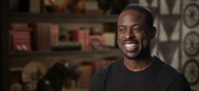 Un día en el narrador de Disney Sterling K. Brown