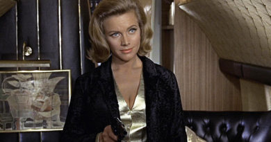 Honor Blackman dead
