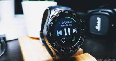 Spotify Wear OS smartwatches smartphone app